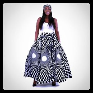 Dresses & Skirts - Black-White Abstract Luxury Maxi Skirt with Matchi